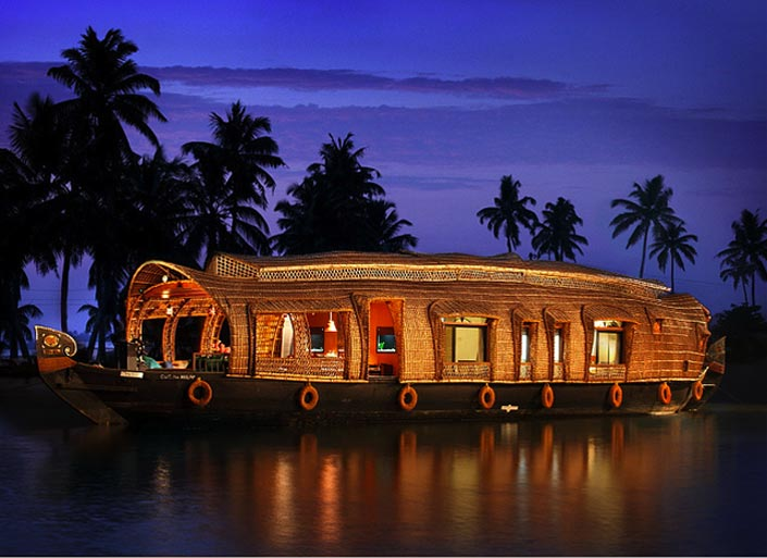 houseboat-interior-design-kerala